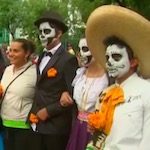 Thumbnail image for Calaveras y catrinas y skeletons parade in Mexico City (video)